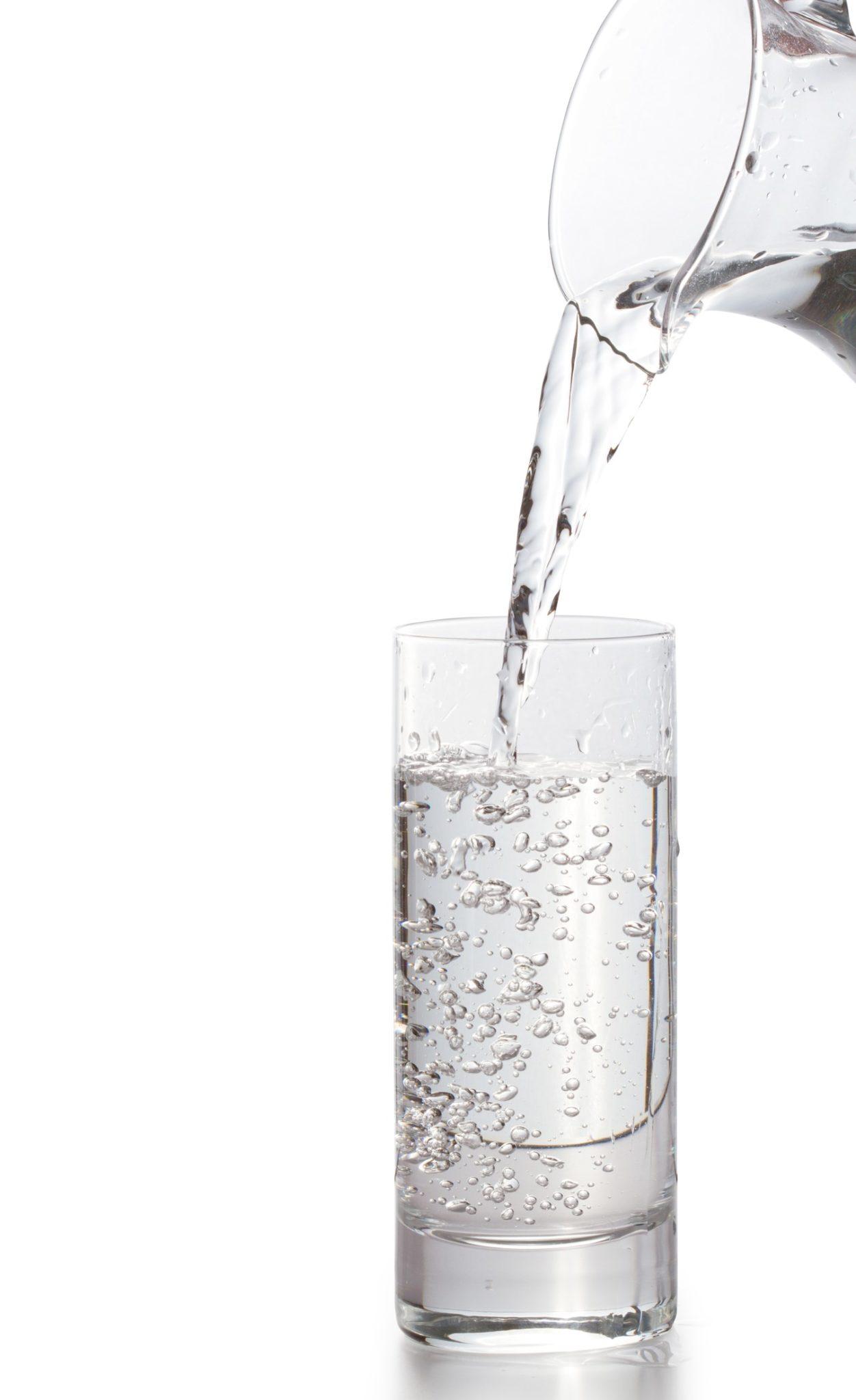 voda - rozpouštědlo na detox