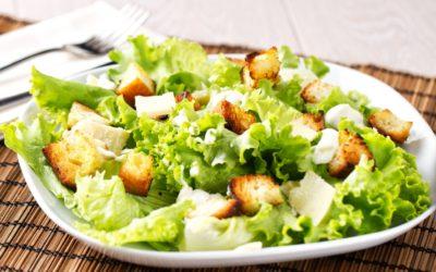 Caesar salát s domácími krutony